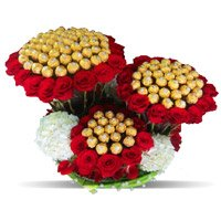 Send 96 Pcs Ferrero Rocher 200 Red White Roses Bouquet with Friendship Day Gifts in Bangalore