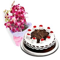Valentine's Day Flowers and Cakes to Bangalore