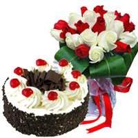 Valentine's Day Flowers Cakes to Bengaluru