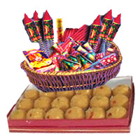 Diwali Crackers and Gifts to Bangalore. 1 Kg Besan Laddoos with Assorted Crackers worth Rs 2000