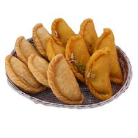 Online Gift Delivery to Bangalore for 1 kg Gujiya