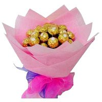 Bouquet of 16 Pcs Ferrero Rocher Chocolates as Birthday Gifts to Bangalore Rajajinagar