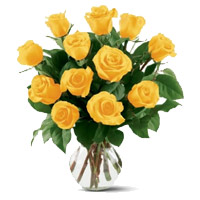 Deliver Yellow Roses in Vase 12 Flowers to Bangalore Online